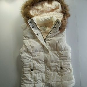 Green Tea white fur vest with hood size S